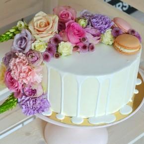 №216 Торт с цветами